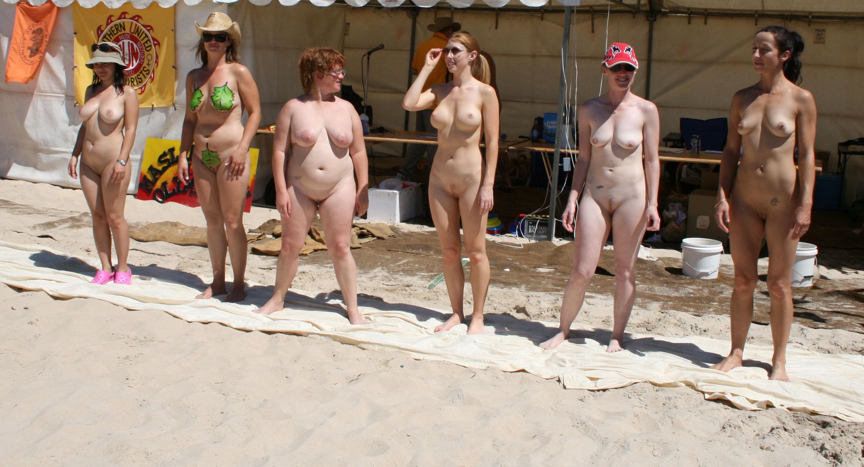 Porno Bilder - FKK Camp, Sandspiele